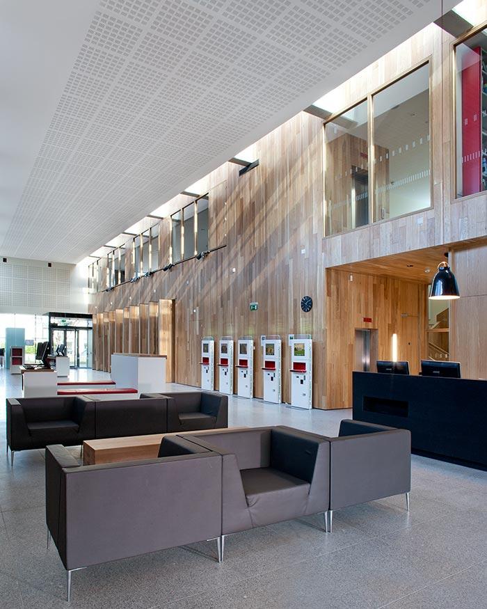 Ballyroan Library 6