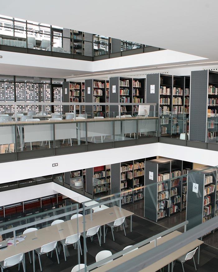 Biblioteca da Fundação de Blanquerna 4
